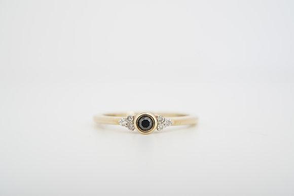 10k .17ctw Petite Black & White Diamond Ring