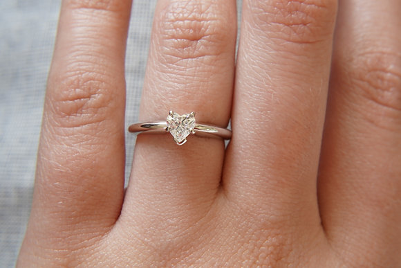 14k 1/2ct heart solitaire