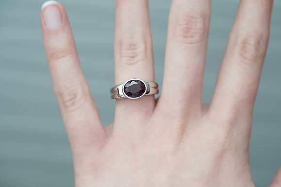 14k 3ct Dark Raspberry Spinel Ring