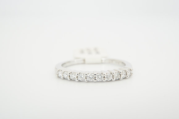 14k 1/4ctw Shared Prong Band