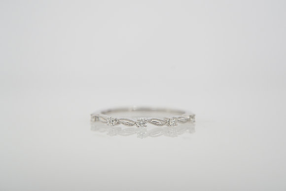 14k 1/10ctw Floral Band