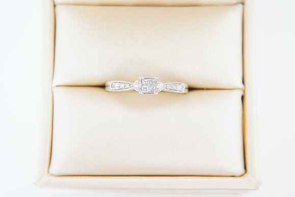 Petite 10k 1/5ctw Ring