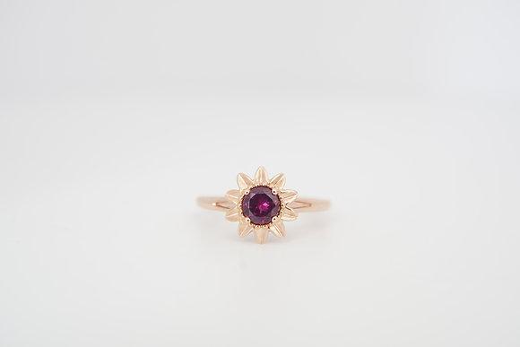 10k Rhodolite Garnet Floral Solitaire Ring