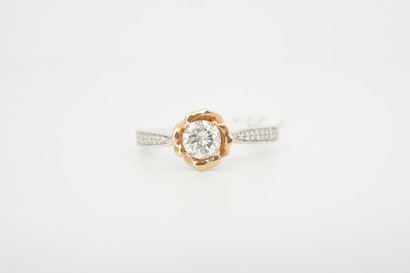 18k floral-inspired diamond ring