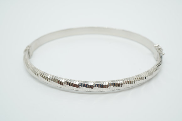 Sterling Silver Diamond-Cut Bangle
