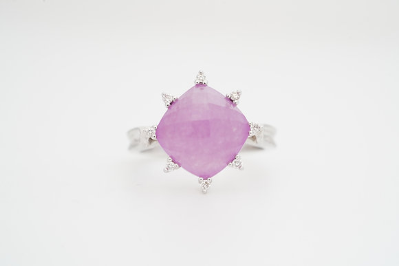 14k Lavender Chalcedony & Diamond Ring