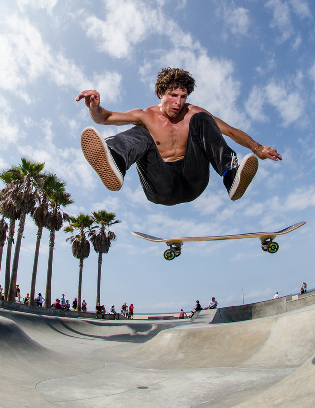 Skater:Isaac Fleishman Location:Venice Skatepark
