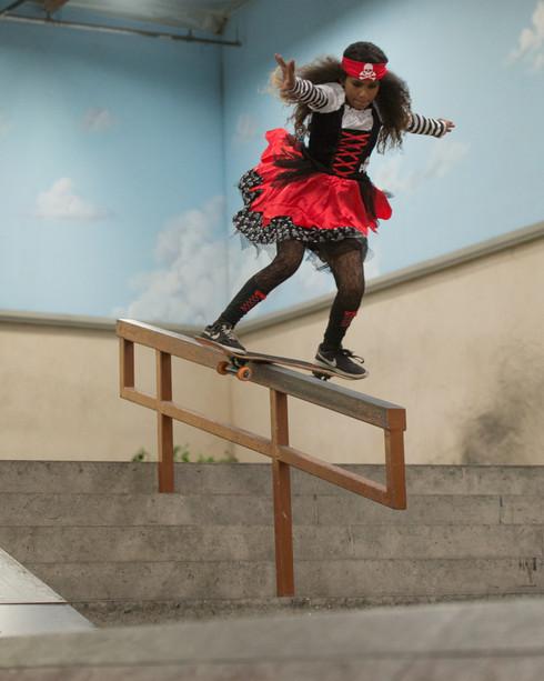 Skater: Vianez Morales Location:Venice Skatepark