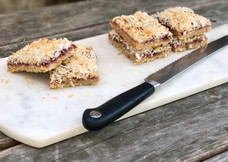 LIFESTYLE: Raspberry Lime and Coconut Snack Bars