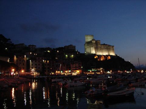 Lerici by night.JPG