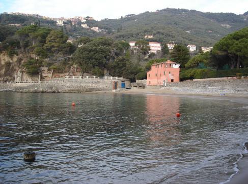 Fiascherino Ligurian Beach.JPG