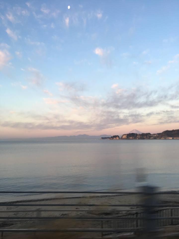 江ノ島,湘南,鎌倉,ビーチ,富士山,バンライフ,朝食