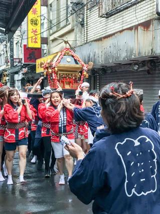 Nishiogikubo Onna-Mikoshi (Women's Mikoshi)