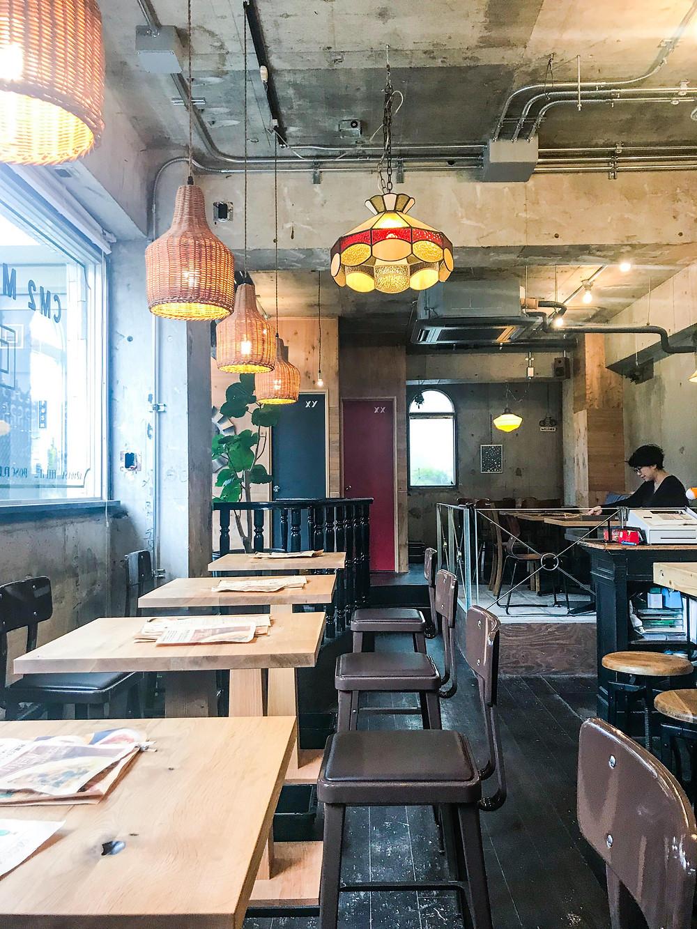Nishiogikubo_Tokyo_lunch_interior