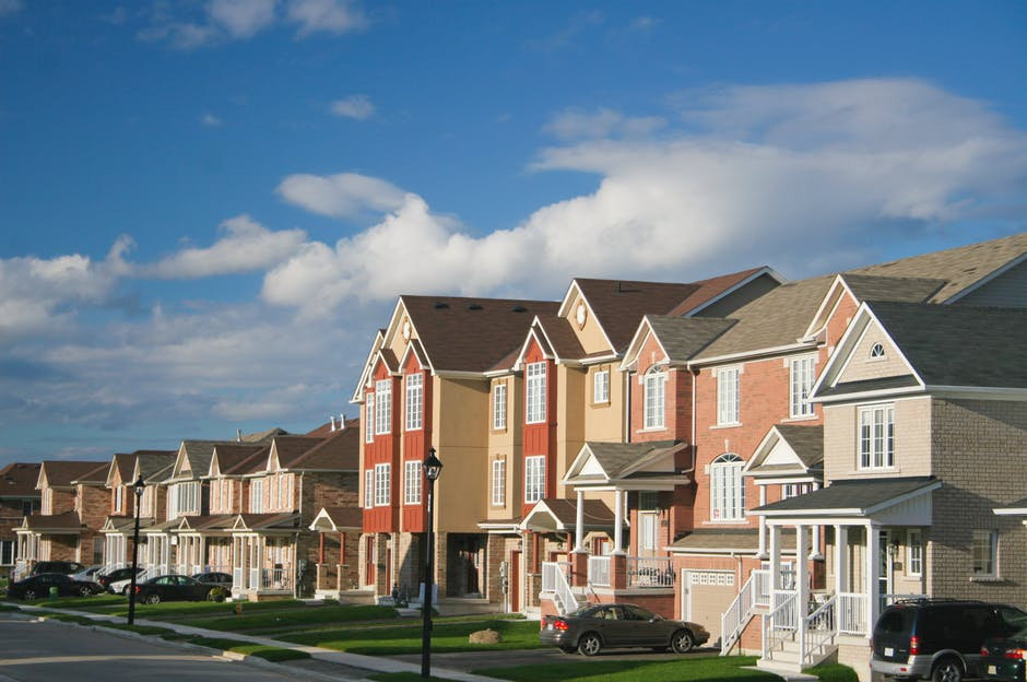 apartment community for multifamily real estate investing