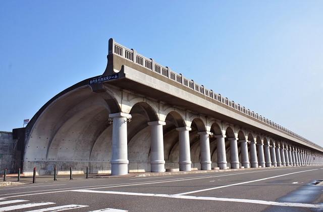 稚内港北防波堤ドーム(写真:稚内市提供)