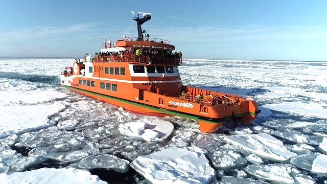 流氷砕氷船ガリンコ号Ⅲ_IMERU(写真:紋別市提供)