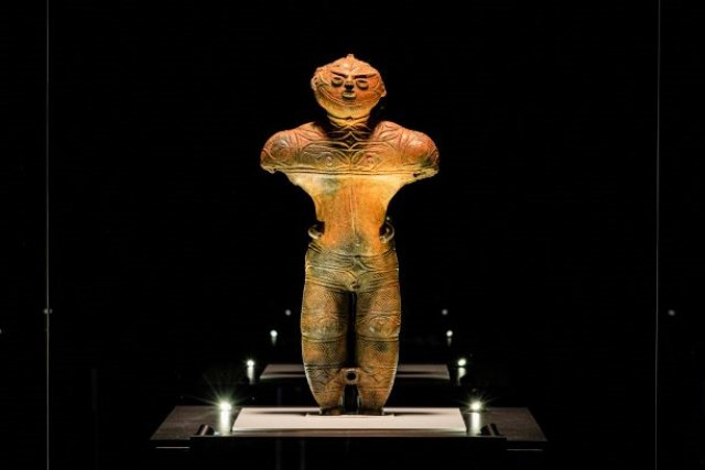 道内唯一の国宝の中空土偶、通称:カックウ(写真:函館市提供)