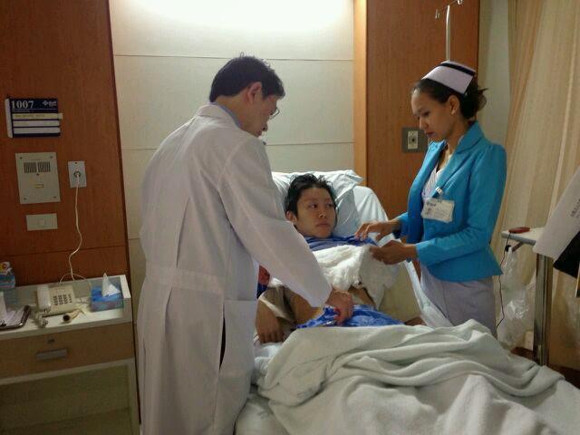 タイでの手術。四日間寝たきりでした