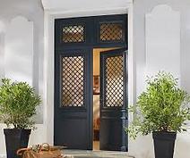 Installateur RGE: portes d'entrée bois à Aubagne. La référence Qualté Prix de la région PACA. Aix en Provence, Marseille, Allauch, Saint Maximin, Marignane, saint zacharie, Auriol