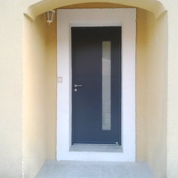 Porte alu à Auriol