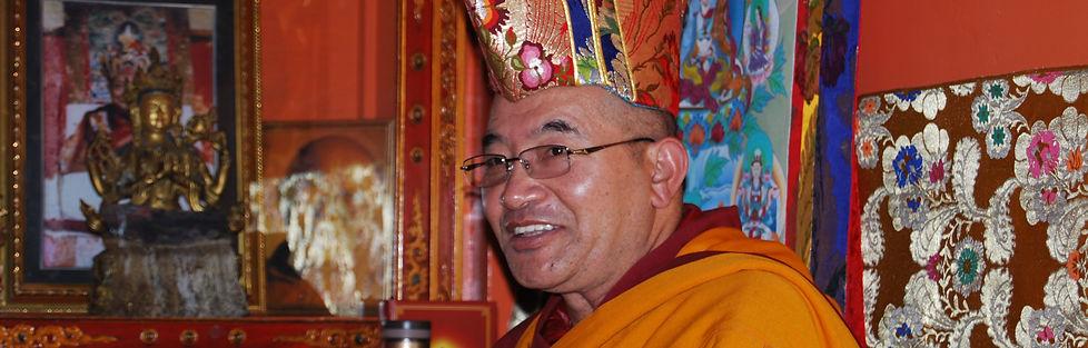 Lingla Kuchen Rinpoche