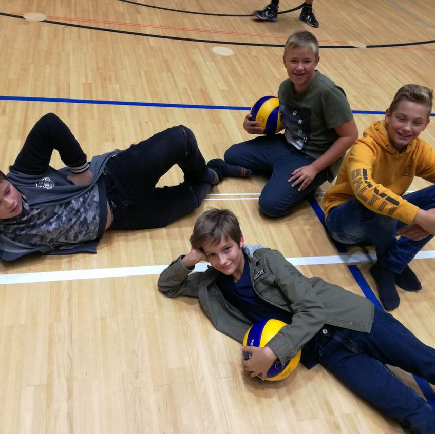 18-10-17-volleyball (2)