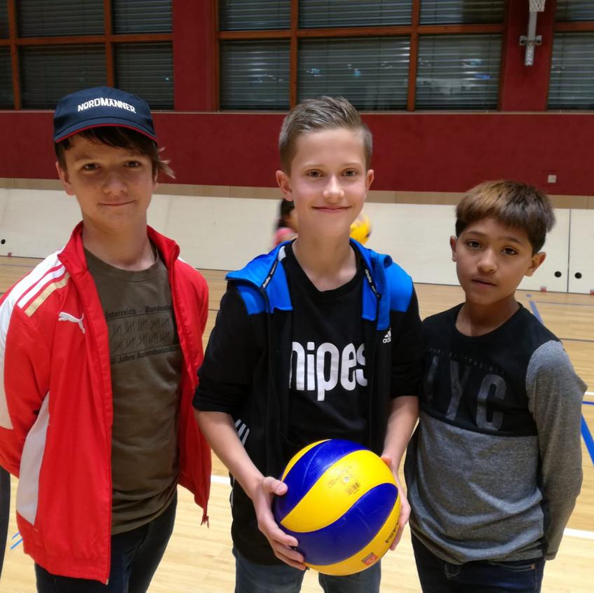 18-10-17-volleyball (4)