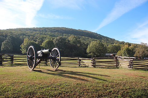 Kennesaw_Mountain_from_Old_41,_Oct_2017.