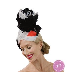BLACK-SWANN hat