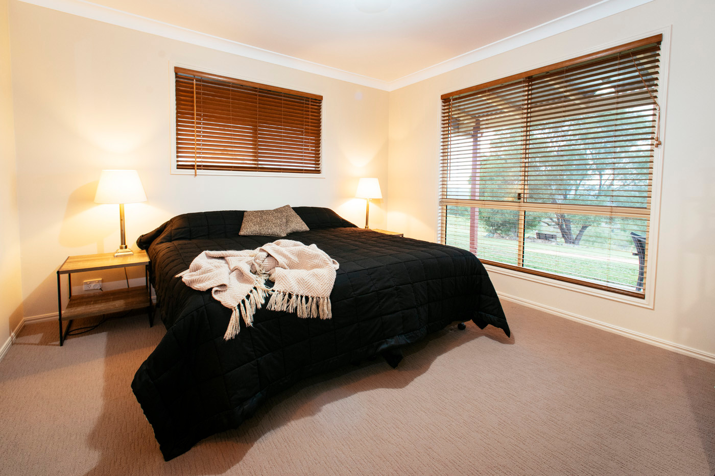 Mt Alford Lodge king size beds