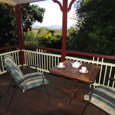 Outdoor living at Kookaburra Cottage