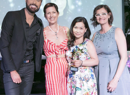 CND EDUCATION AMBASSADOR, ANNA LEE WINS 'Services to the Nail Industry' SCRATCH AWARD