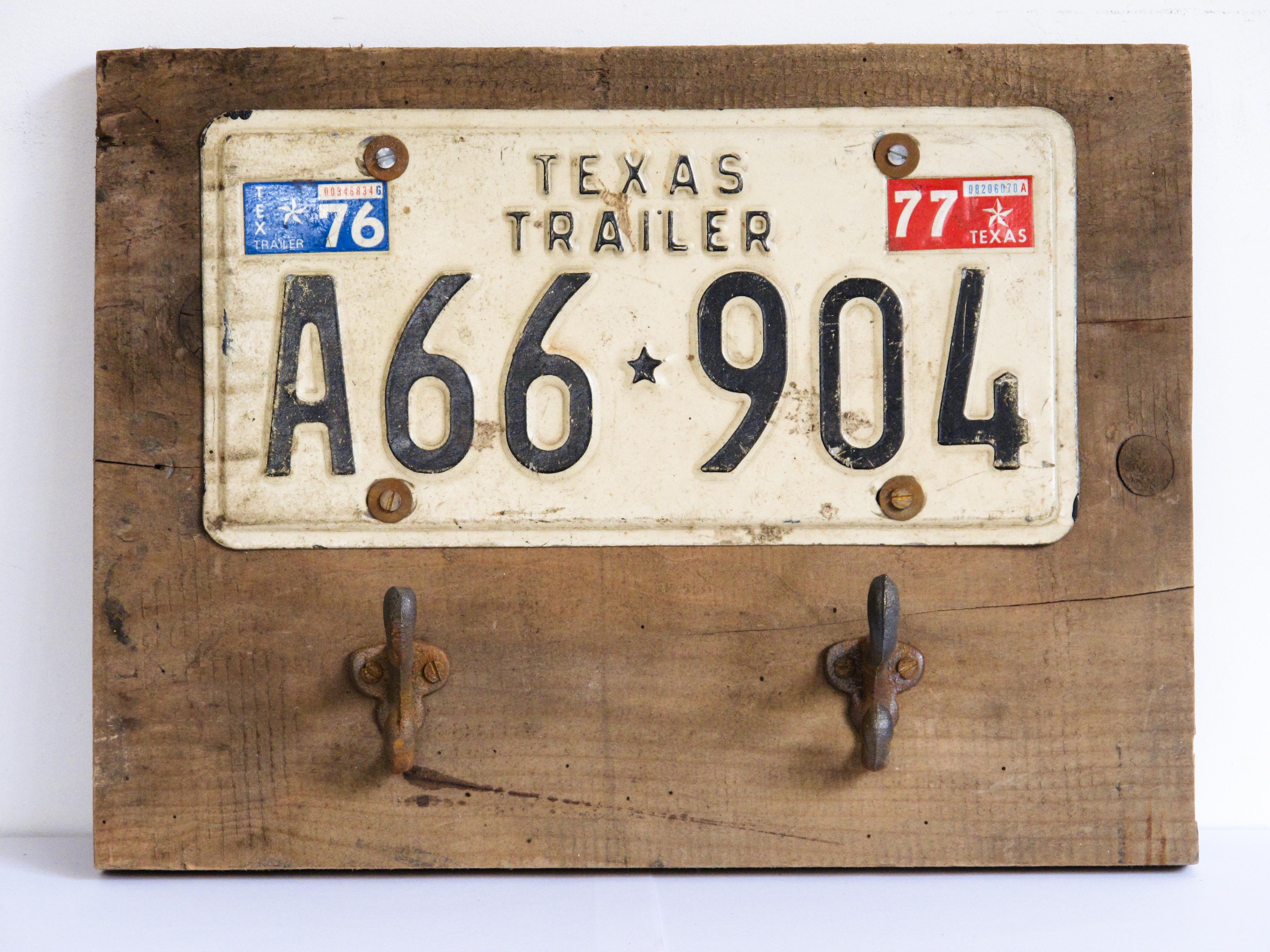 coat hanger texas plate