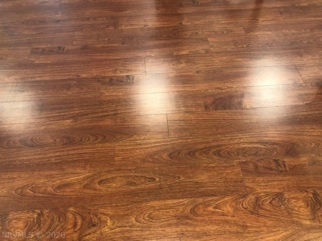 401 S Main laminate flooring.jpeg