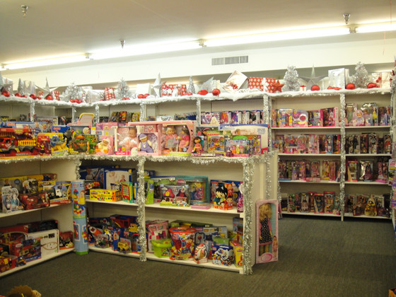 Christmas Store Drive Ramping Up