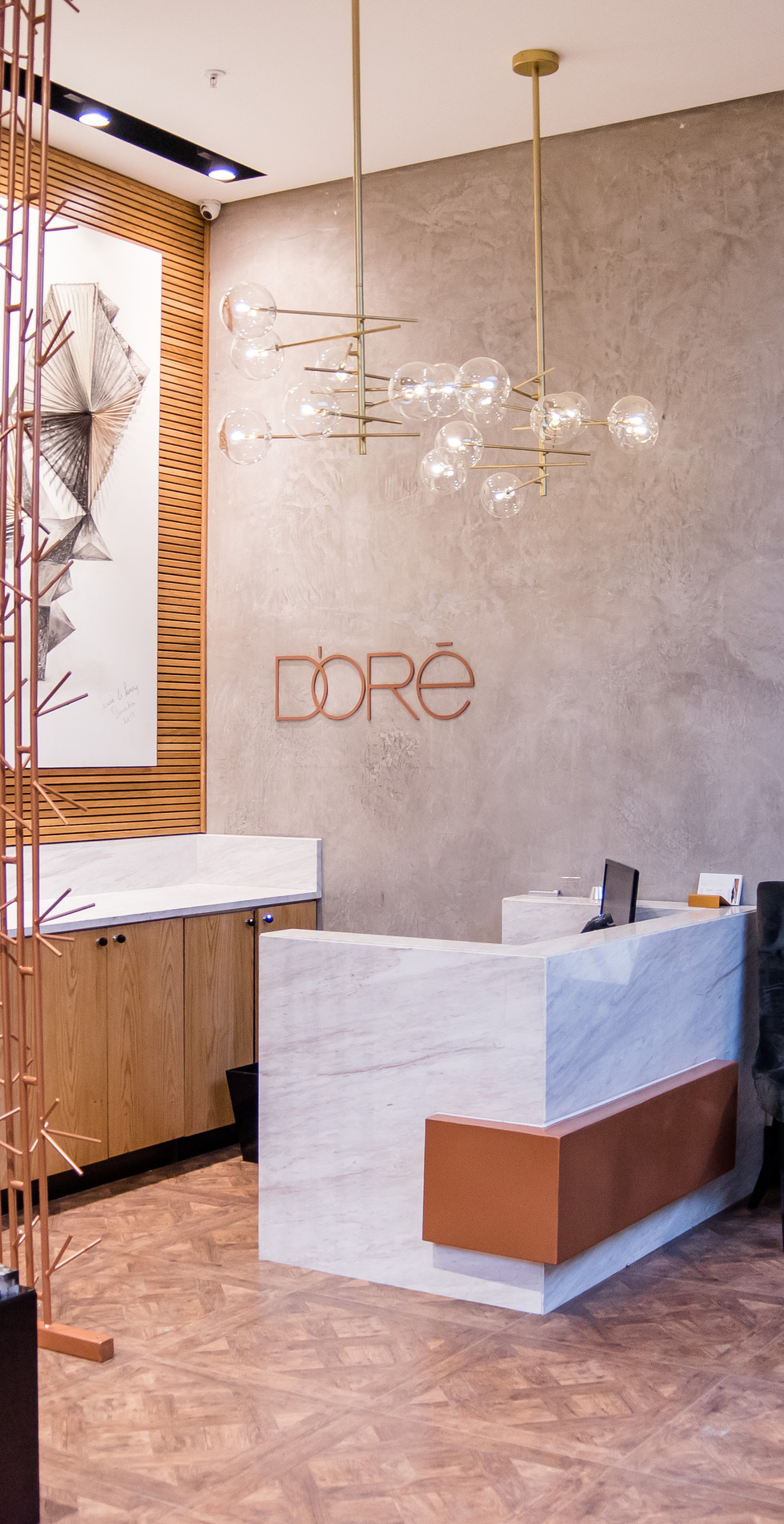 This iconic store with a fashion heritage spanning over 45 years, has re-opened its flagship store in a new location in Sandton City.  D'Oré has also unveiled a wide range of both international and local luxury brands which are sold exclusively in store.
