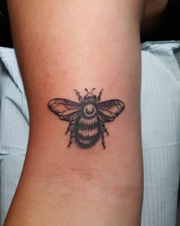 Bee B&G1