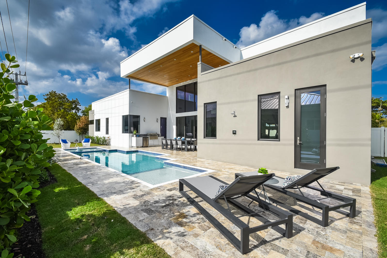 200 NE 7th St Boca Raton FL-large-010-23