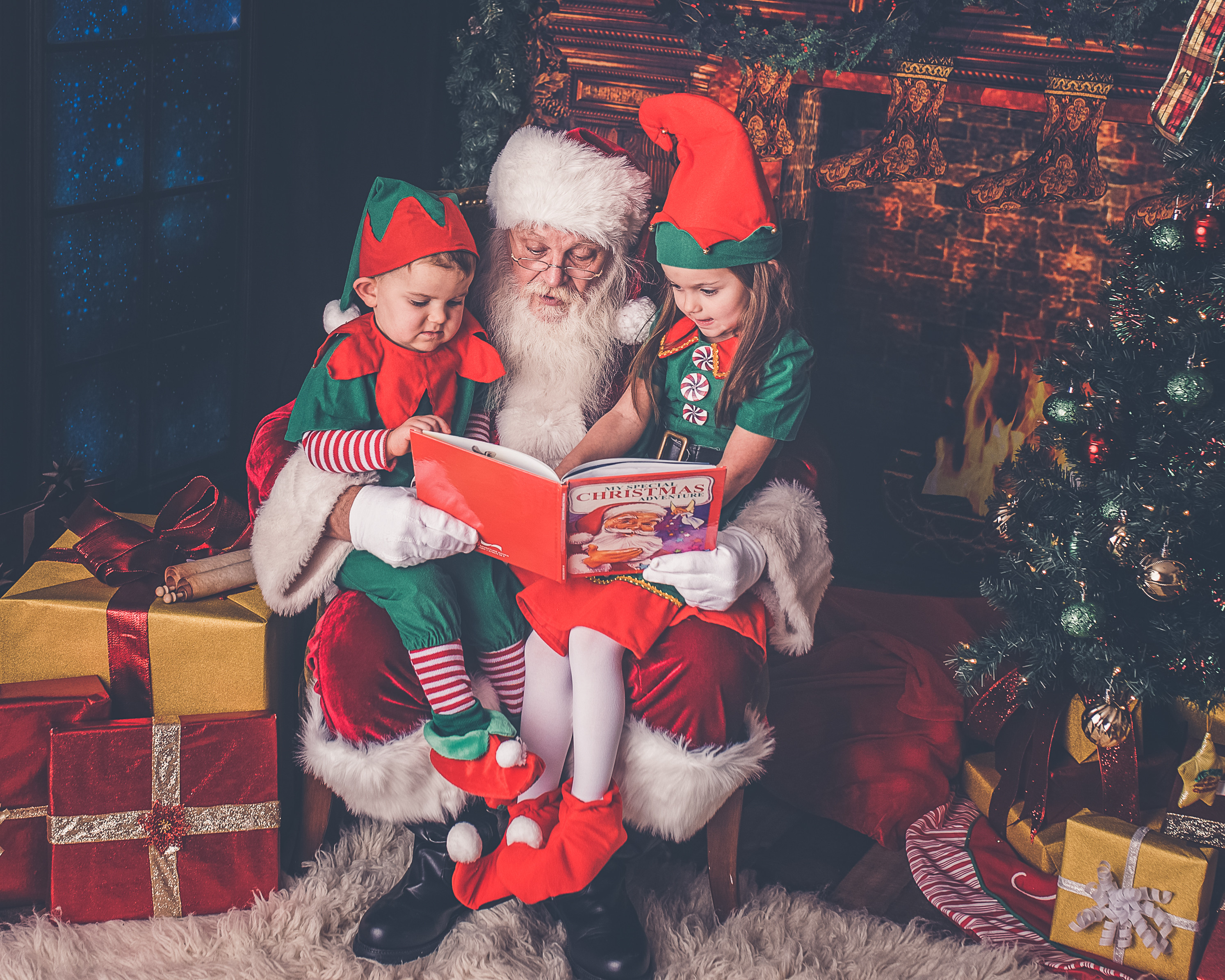 Santa's Knee Only (3 Images) $105
