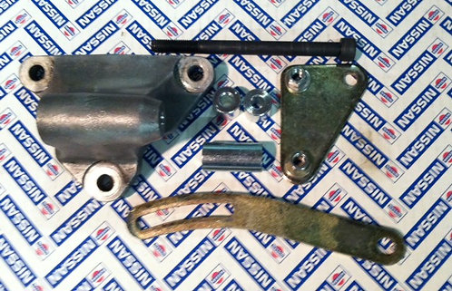 Hitachi Alternator and Right hand Mount for U20