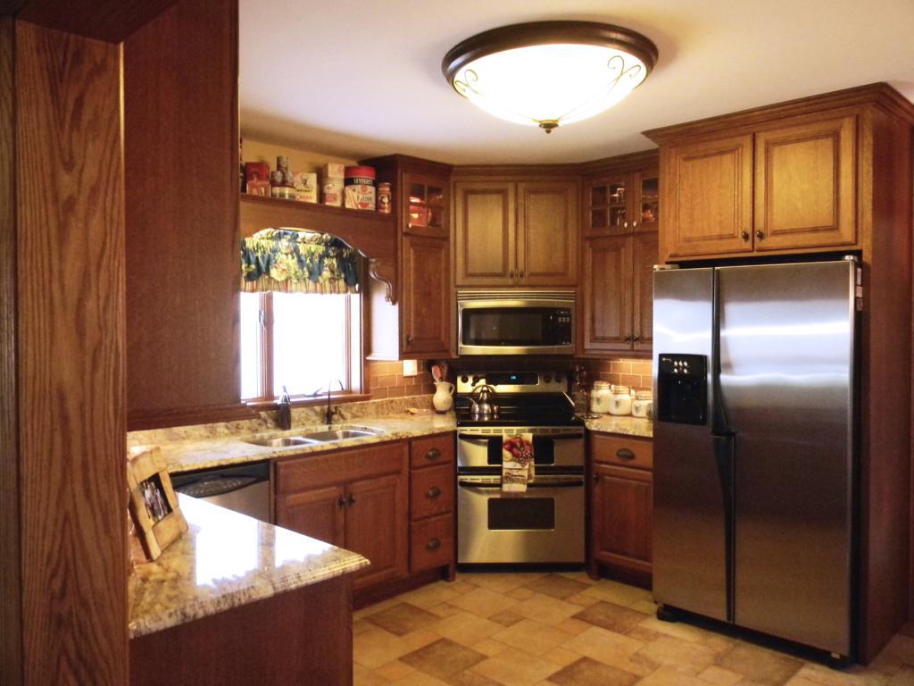 Caley Kitchen (2).JPG