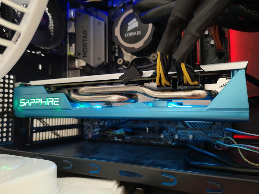 Sapphire Nitro+ SE (RX 590)