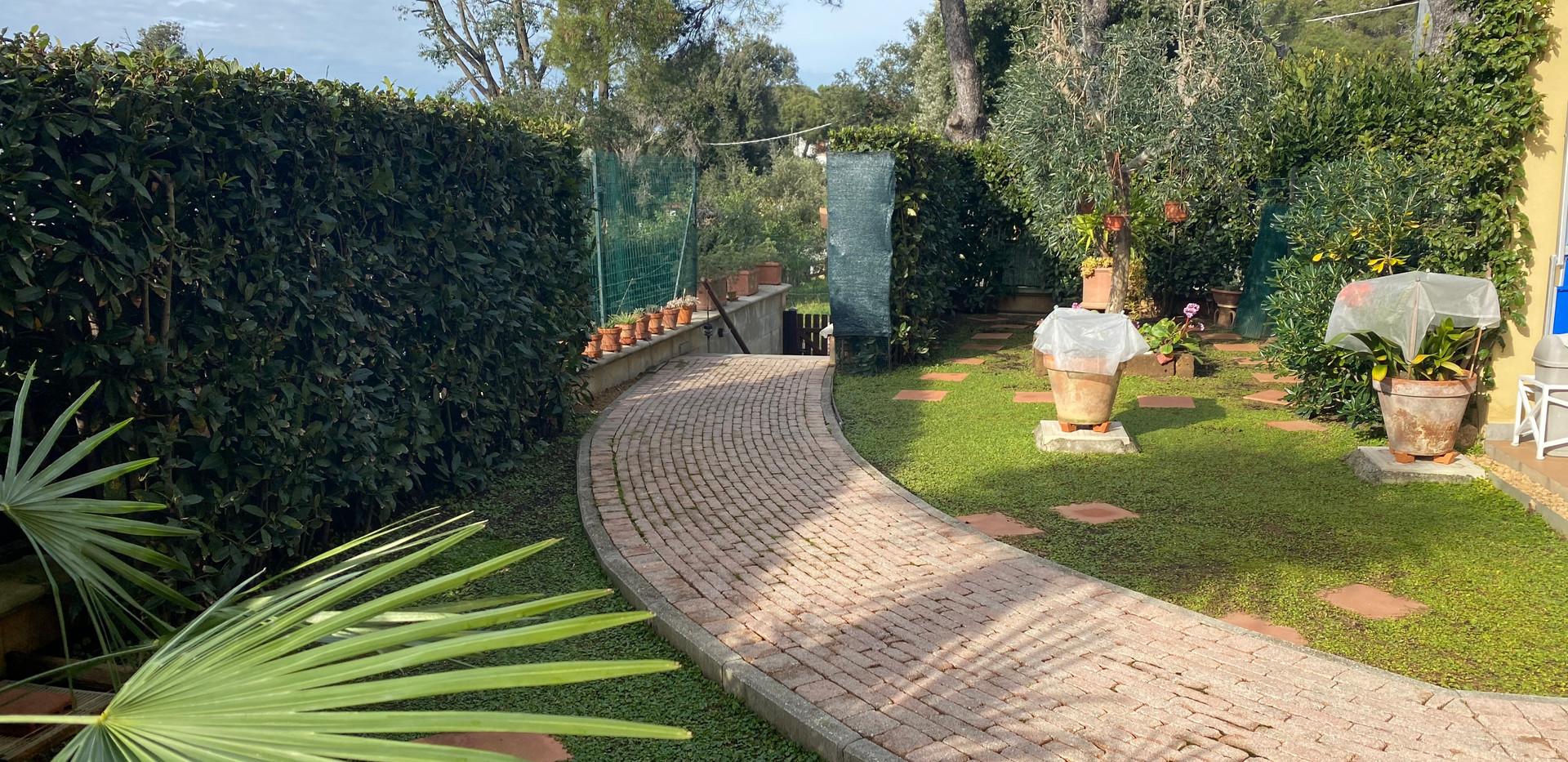 giardino fronte