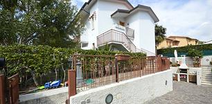 ingresso casa e garage