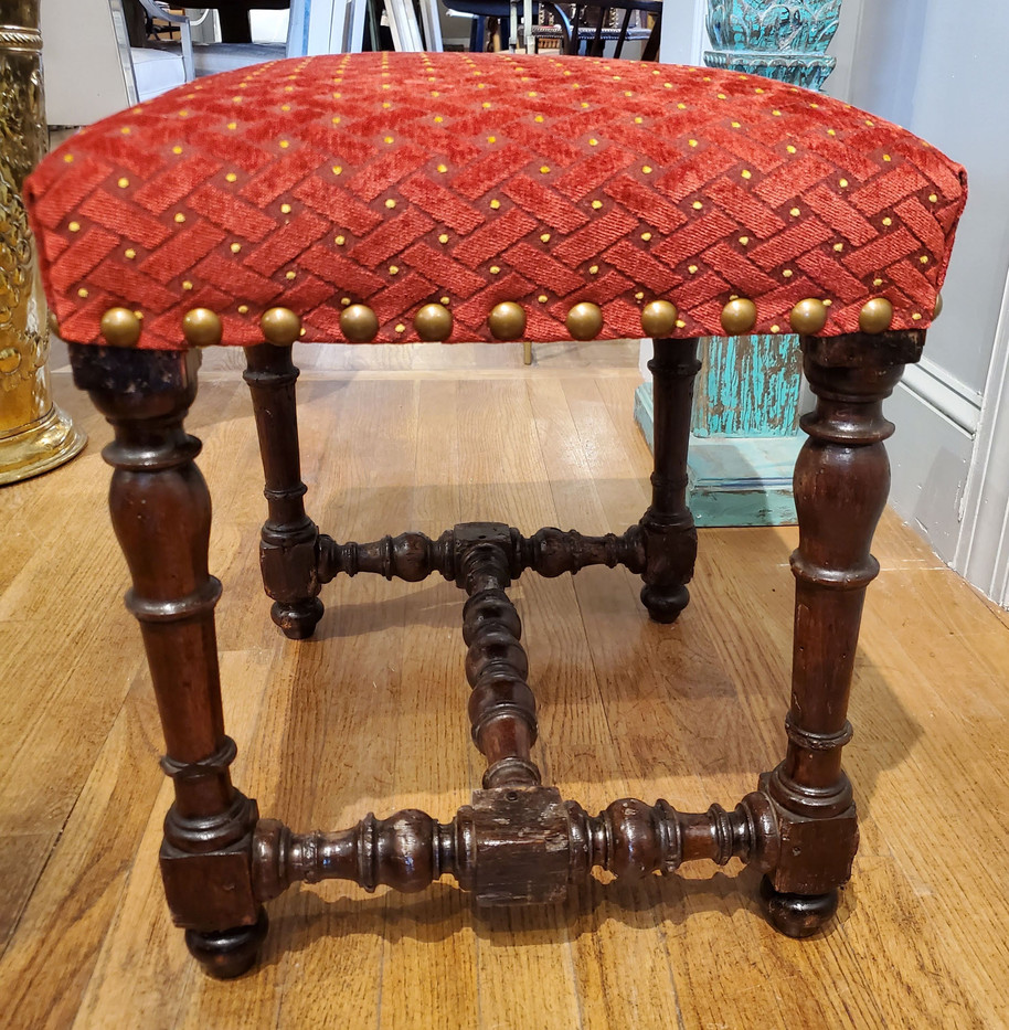 Small 17th Century Louis XIV Stool Newly Upholstered in Red Chenille Fabric