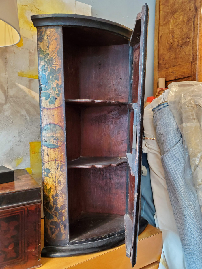 Late 18th Century Dutch Bow Fronted Corner Cupboard