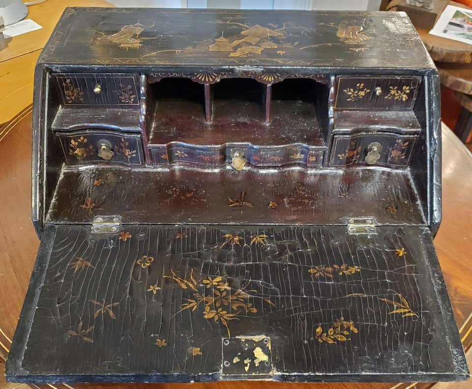 18th Century Black Lacquer Chinoiserie Decoration Chinese Export Writing Desk