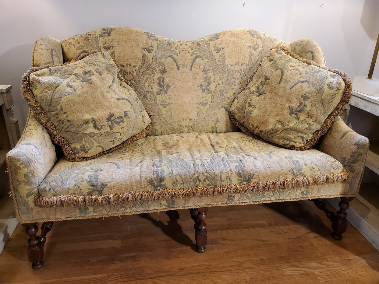 17th Century Style French Provincial Upholstered Embroidery Fabric Walnut Settee