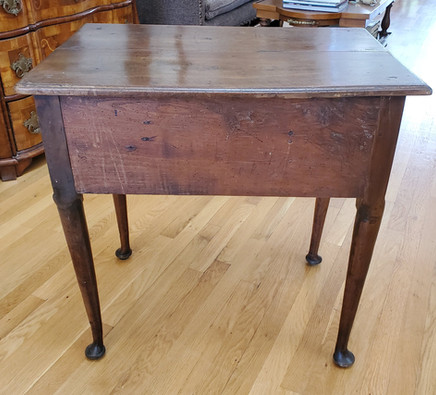 Early 18th Century Walnut Lowboy Table with Drawers and Cabriole Legs